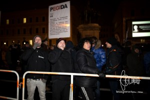 pegida 20160118 3 - Amongst PEGIDA - warmly wlcomed a group led by convicted neo-nazi terrorists.
