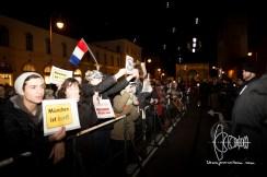 """""""München Ist Bunt"""" counter protestors."""