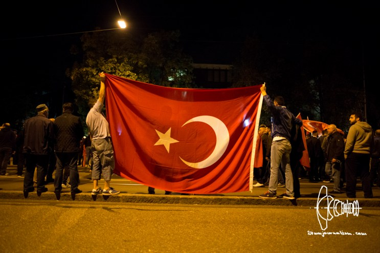 turkish-nationalists-consulate-20160716_12