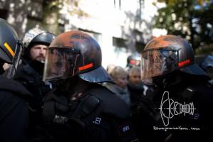 integrationsgesetz fb 20161022 3 - Protest against New German Integrationlaw in Munich - Police Violence Errupts