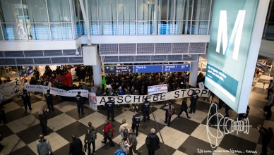 deportation munich airport 20170222 9 - Deportation to Afghanistan from Munich – Protestors Gather at Munich Airport