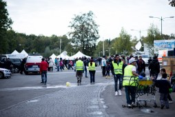 Austrian volunteers support refugees awaiting to cross over with clothing, food and tents.