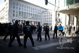 Police pushes demonstration towards finicial ministry.