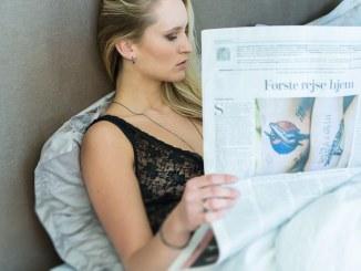 kvinde seng avis hygg emorgen