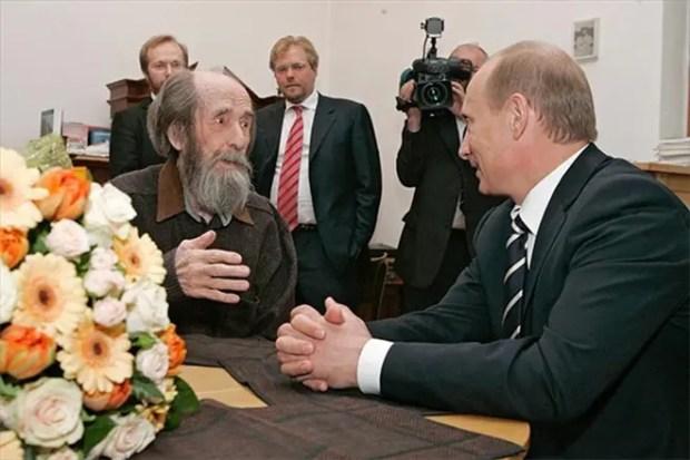 Александр Солженицын с Владимиром Путиным