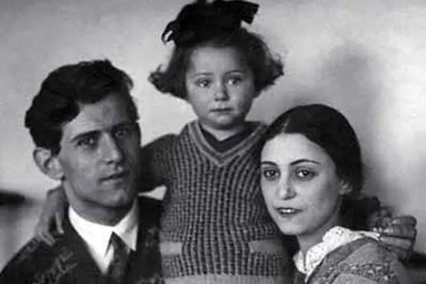 Майя Плисецкая с родителями