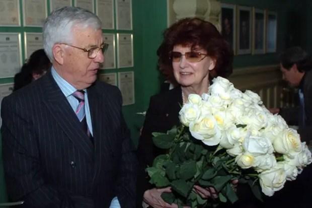 Раймонд Паулс с женой
