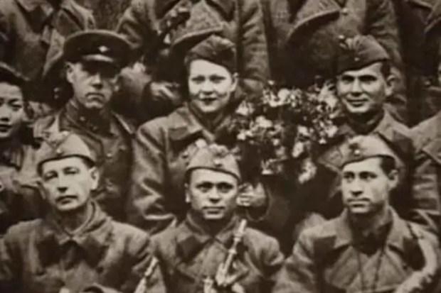 Клавдия Шульженко на фронте