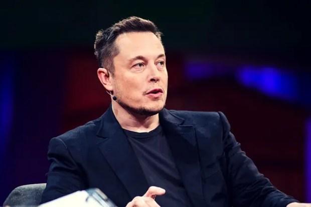 Илон Маск в 2017 году