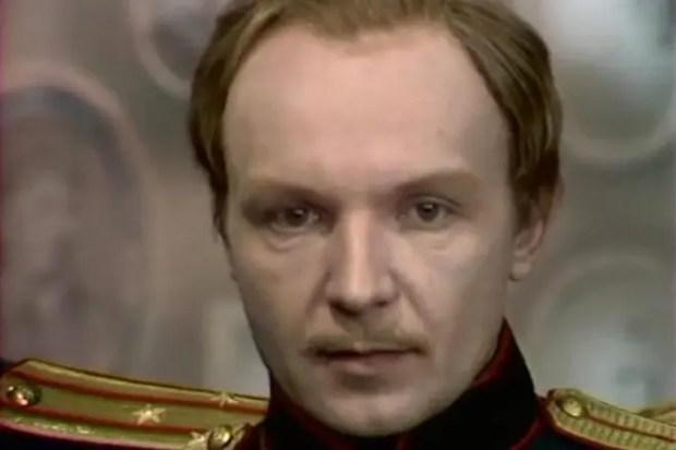 """Андрей Мягков в спектакле """"Три сестры"""""""