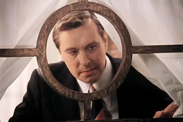Олег Басилашвили в роли Самохвалова