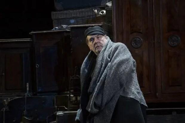 Сергей Маковецкий на сцене театра