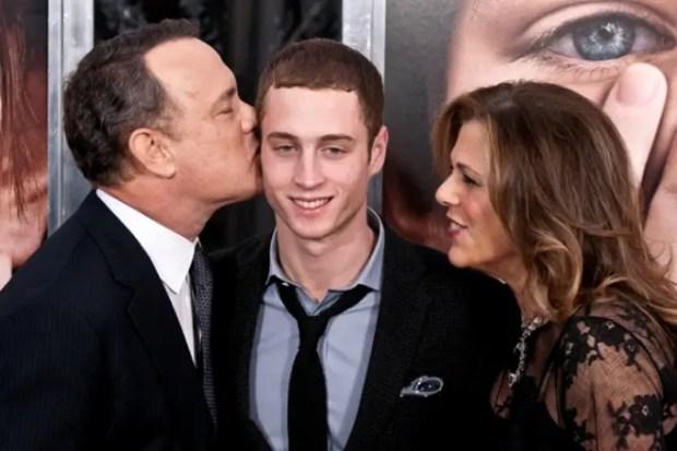 Том Хэнкс с женой и сыном Честером