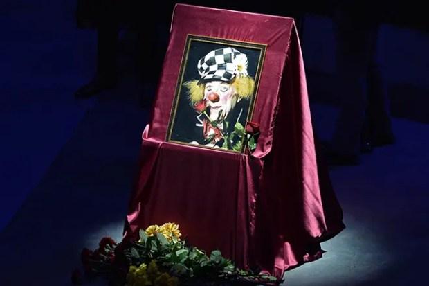 Похороны Олега Попова