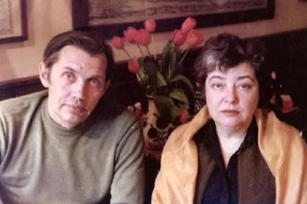 Роберт Рождественский с женой