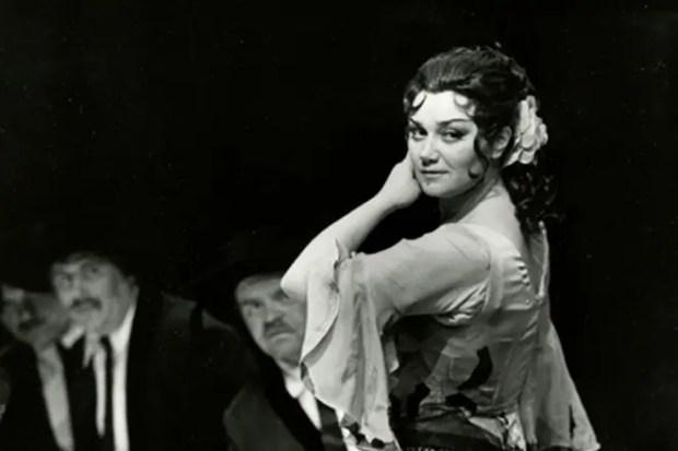 Тамара Синявская на сцене