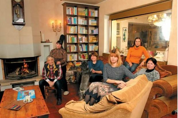 Эдуард Успенский с семьей