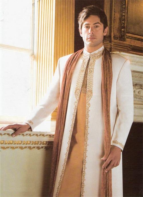 Pakistani Bride Fashion Dulhan Bridal Couture Wedding Creative Decor Photography Couple Love Romance