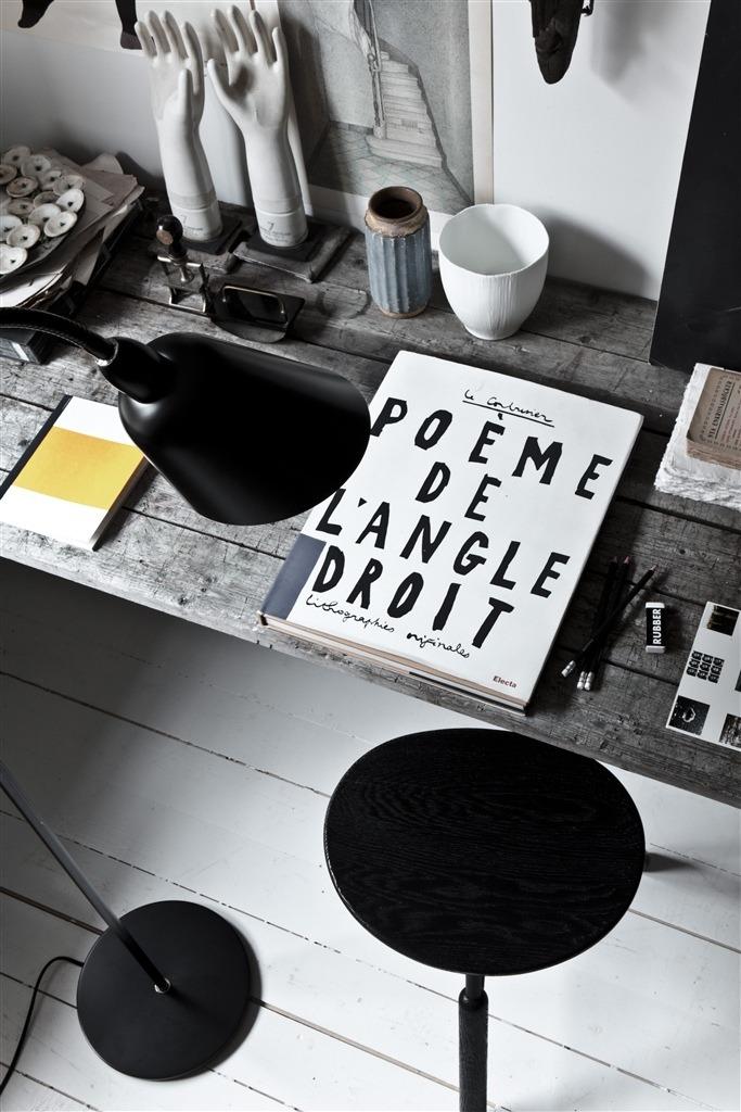 digitaltemplemagazine:  Poème de l'angle droit.