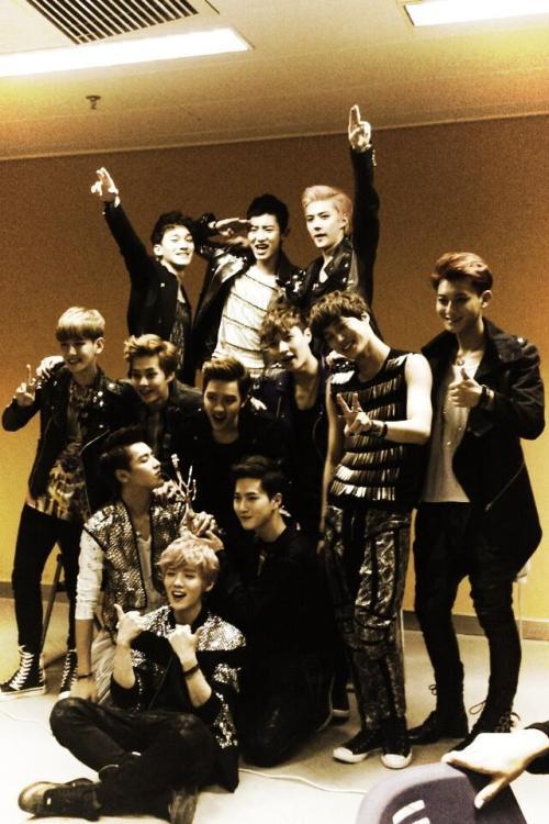 kasabianskc:Ma new boys. EXO~ cool. Guys