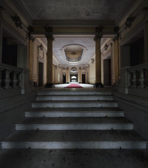 Sanctum (byDaniel Barter)