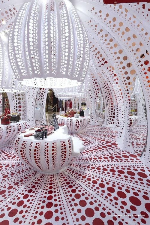 iamlookingbackatyou:  Louis Vuitton at Selfridges London by Yayoi Kusama Makes me think of Sea Urchin Metropolis (via Everyone`s Creative Travel Spot / Louis Vuitton at Selfridges London by Yayoi Kusama)