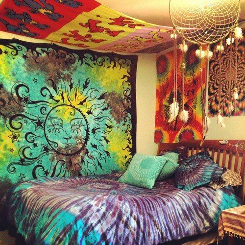 Trippy Hippie Room Goldentown
