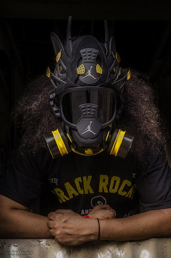 Sneaker Gas Mask