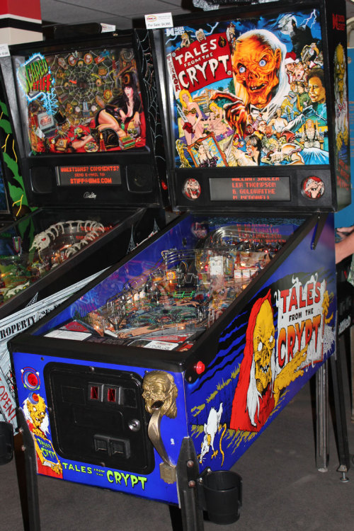 Creepy Horror Game Macabre Terror Gamer Pinball Elvira