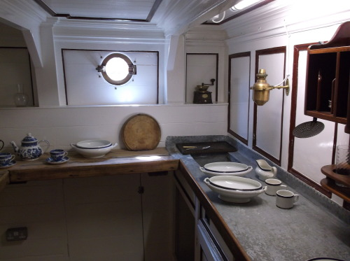 i took this photo of the officer's kitchen on the cutty sark in a mild rage because IT IS BIGGER THAN THE KITCHEN IN MY FLAT