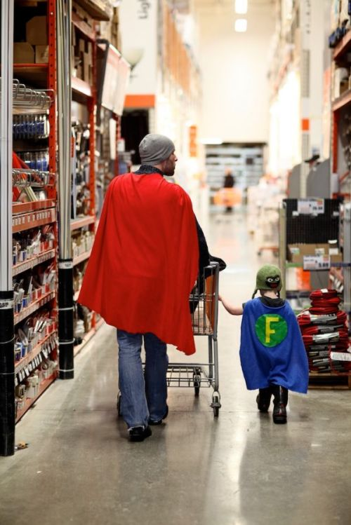 "Redditor resgestae, who always has his camera with him, captured this awesome moment while shopping at a Home Depot.He titled his photo, ""I know a good dad when I see one."" We couldn't agree more.[via Neatorama]"
