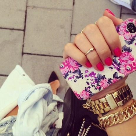 girl mine jewelry fashion photo perfect style followers nail polish pink Clothes nails instagram details floral rose bracelet gold watch rings my photo rosy rosy blog rosy post rose blog