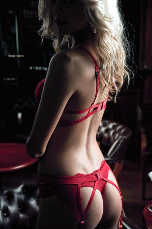 pruebame:brabra:(via lingerie-love)
