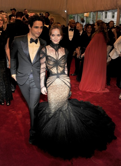 suicideblonde:  Christina Ricci and Zac Posen at the Met Costume Gala tonight This is how you do the Costume Gala!  Thank you Christina and thank you Zac Posen!  You took the spirit of McQueen and made this amazing dress that reflects all that he as a designer loved to explore.  And you took risks together!