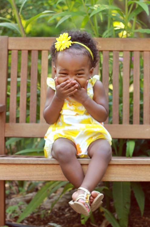 fotografía de niña sonriendo