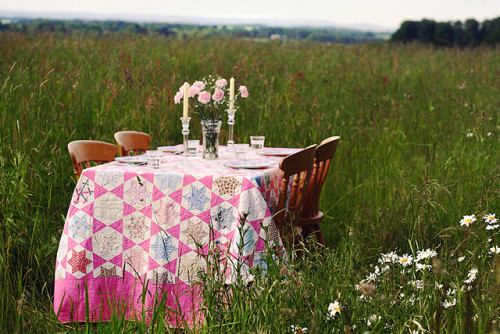 kaydeecarr:</p><br /> <p>Dinner party by Marina Loram on Flickr.<br /><br />