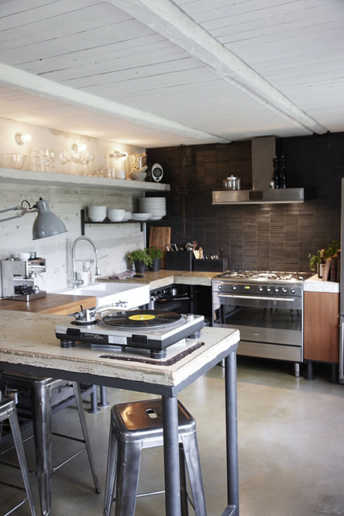 concrete and industrial scandinavian kitchen (via Gotland Island « 1 Kind Design)<br /><br /><br /><br /><br /><br /><br />