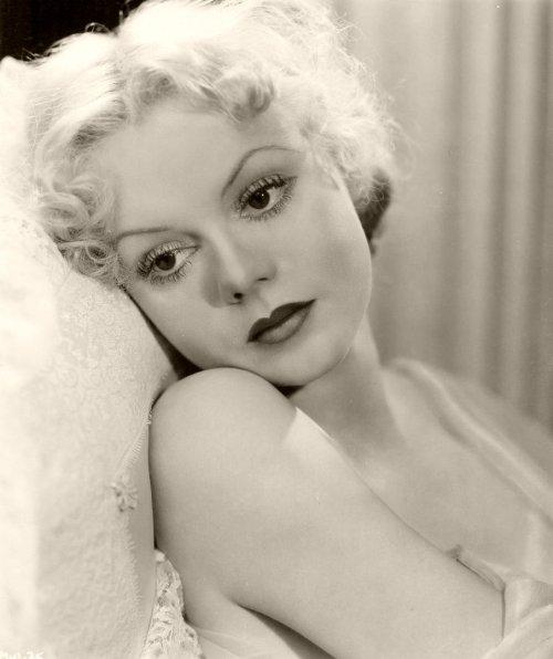 Marie Wilson, 1930 via screengoddess