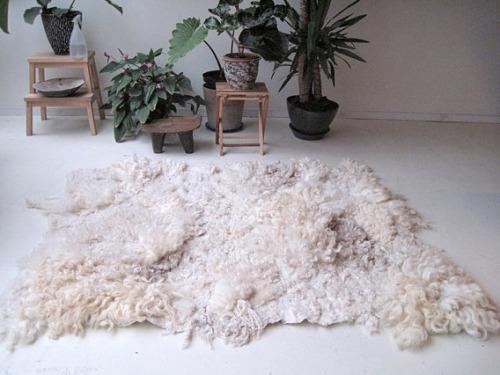 hand felted rug via△