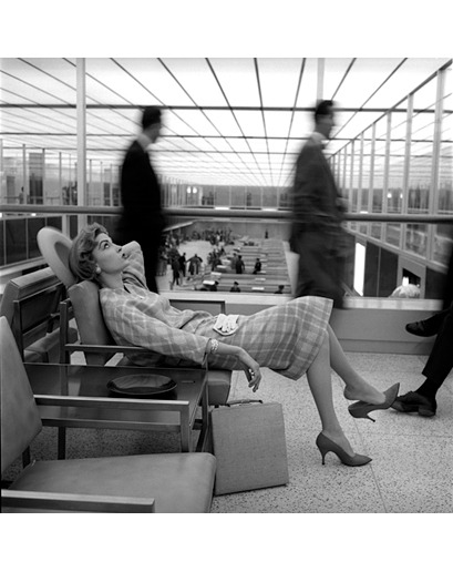 da-i-net:<br /> Mary McGloughlin, Idlewild Airport, New York, 1957