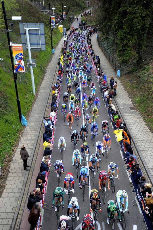 fuckyeahcycling:</p> <p>The pack rides on the platoon on the Cauberg during the 47th Amstel Gold Race in Eckelrade, on April 15, 2012. AFP PHOTO / ANP / TOUSSAINT KLUITERS netherlands out (viaThe Pack Rides - Yahoo! Sports Photos)<br />