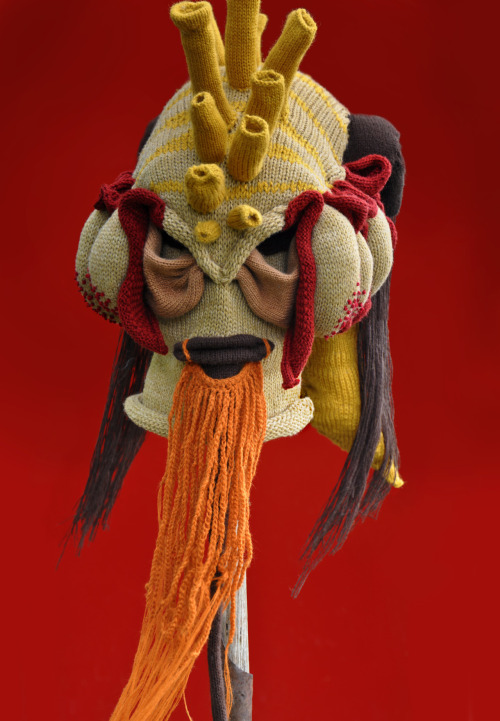 Headhunter, yarn, 2012 (commissioned)