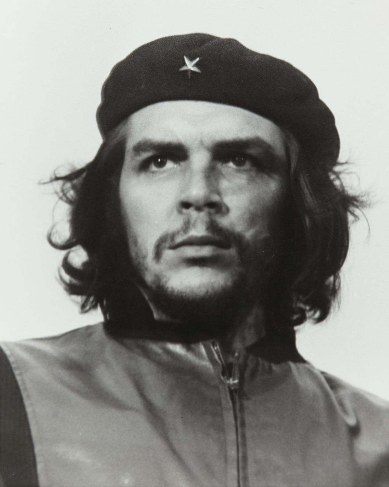 Che Guevara Alberto Corda Cropping iconic photograph