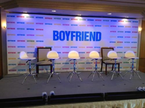 120528] BOYFRIEND's Japan Twitter Update!  Original Twit: 記者会見が終わってフォトセッションへ  Source:@officialBFjp