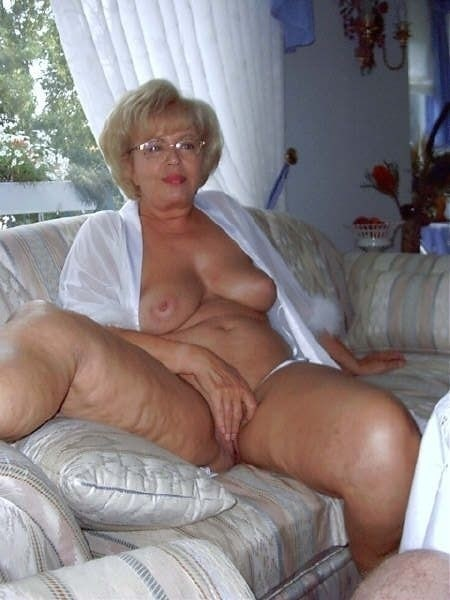 Naked granny 'Glamorous grannies'
