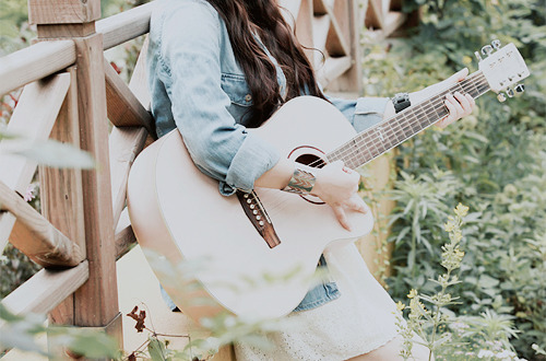 """Résultat de recherche d'images pour """"tumblr guitar girl"""""""