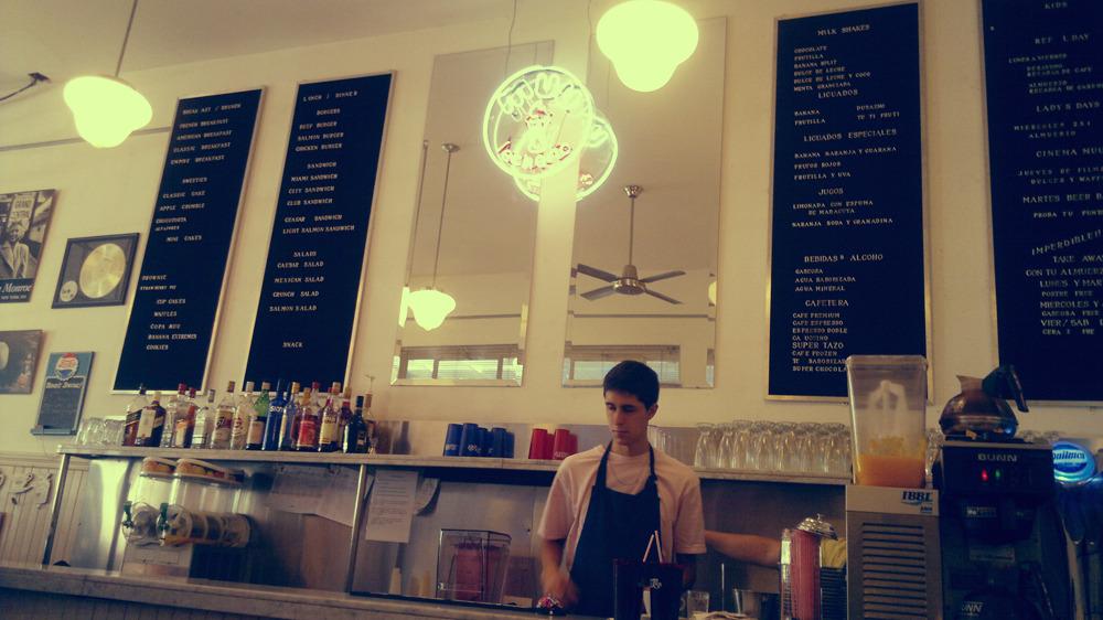 Muu Lechería. un restaurante ambientado en el espíritu de los 50's