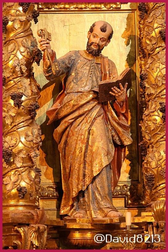 San Pedro Apóstol.Retablo mayor de la Iglesia Parroquial de Isla, Cantabria.