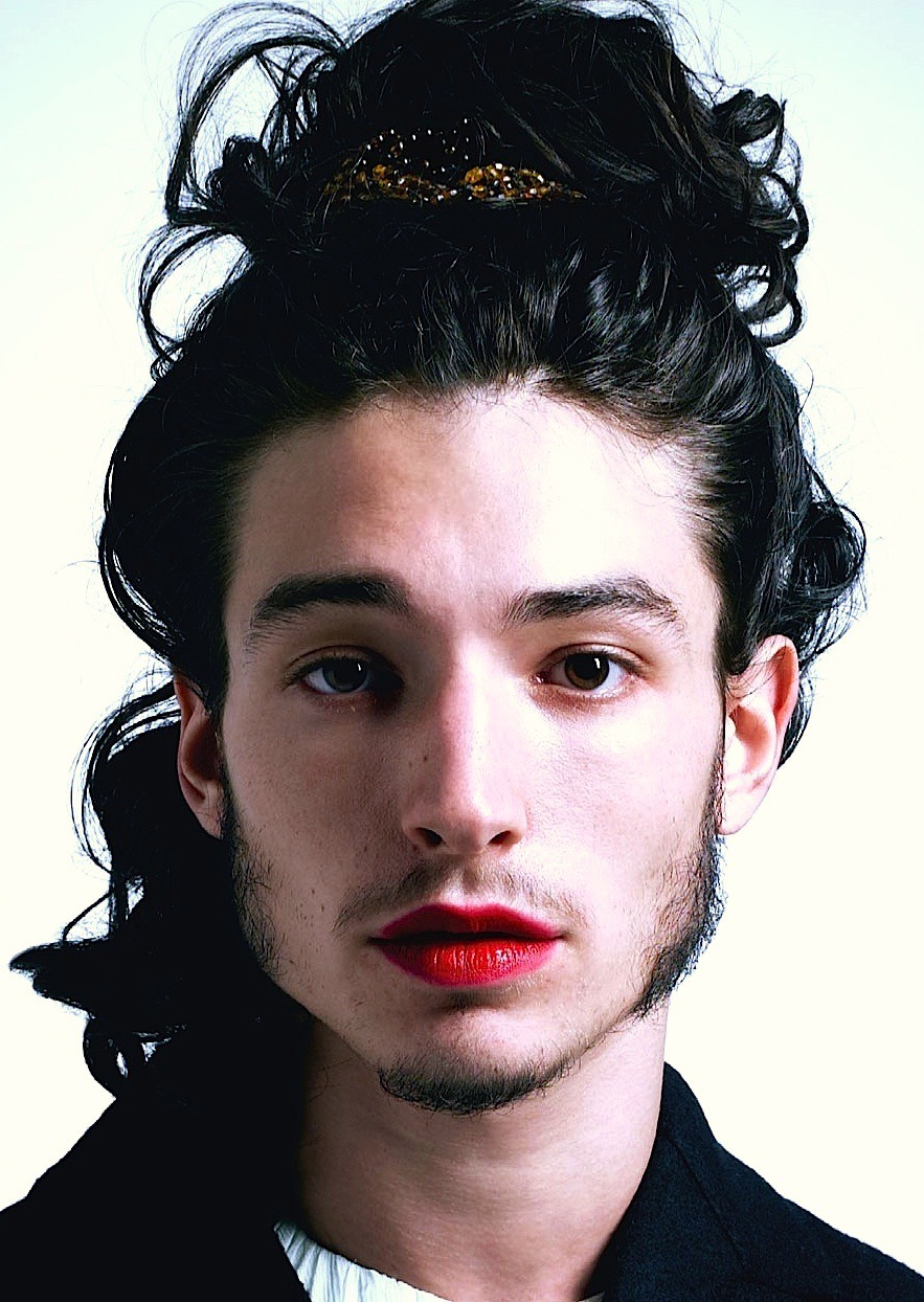 This is an very interesting and quite beautiful (to me) image of Ezra Miller