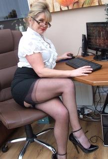 short skirts crossed legs galleries